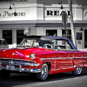 SIJ Day#15 - The Old Red Car