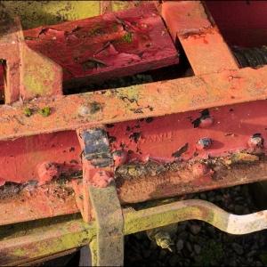 rusty wagon chassis