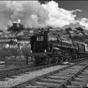 Brittania leaves for Bristol