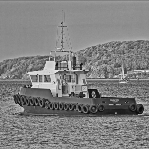 """The harbour tug """"Prince Rock"""" heads out"""