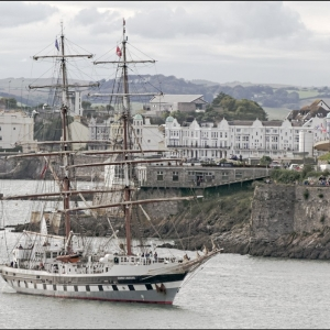 Stavros enters port
